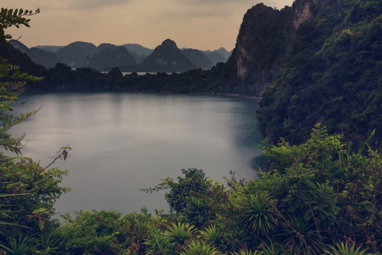 LOLEI TRAVEL – Halong Bay